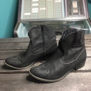 AMERICAN RAG Western Style Cowboy Booties